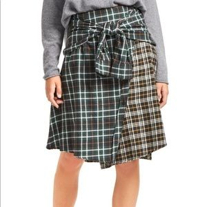 FRENCH CONNECTION PLAID FLANNEL TIE SLEEVE SKIRT